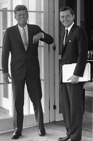 KN-29561 (crop) Stephen Smith with President Kennedy at the White House.