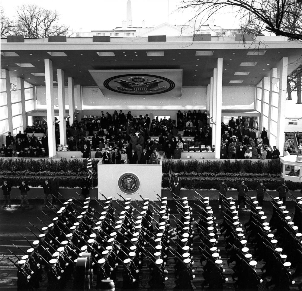 the inauguration john f kennedy presidential library museum ar6280 1d inaugural parade for president kennedy military units pass reviewing stand 20