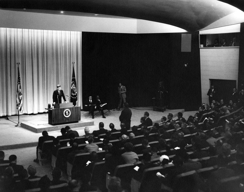 John F. Kennedy press conference crisis communications_Matt Silver PR