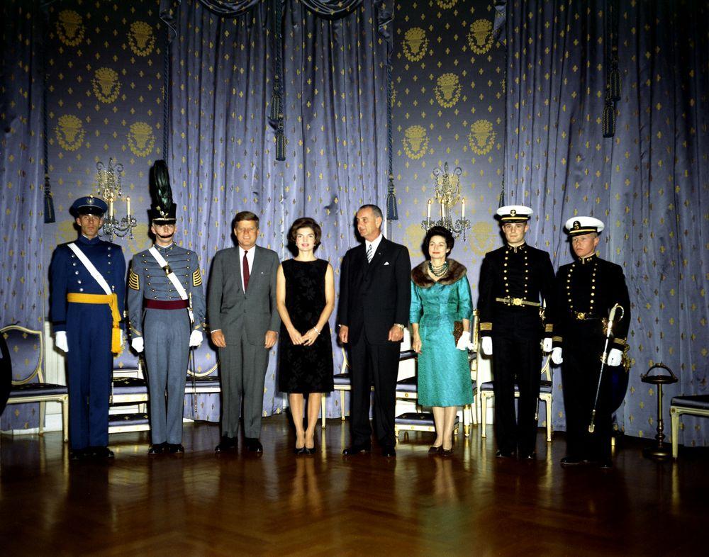 KN-C17147. President John F. Kennedy, Jacqueline Kennedy, Vice ...