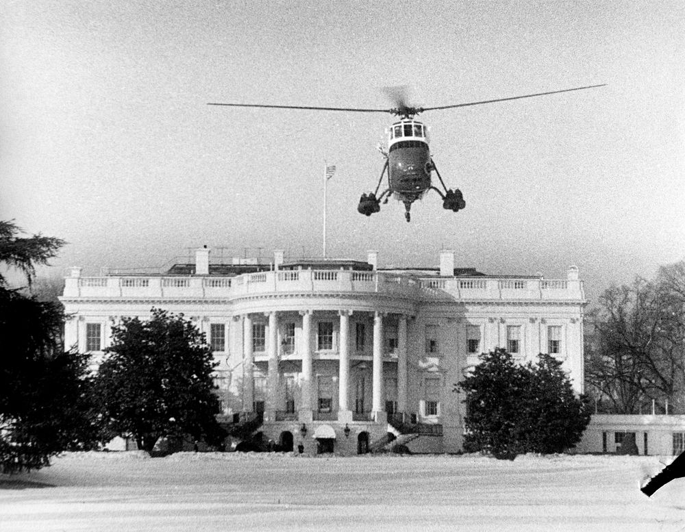 Ar6337 a helicopter on white house lawn john f kennedy for Glen ora middleburg va