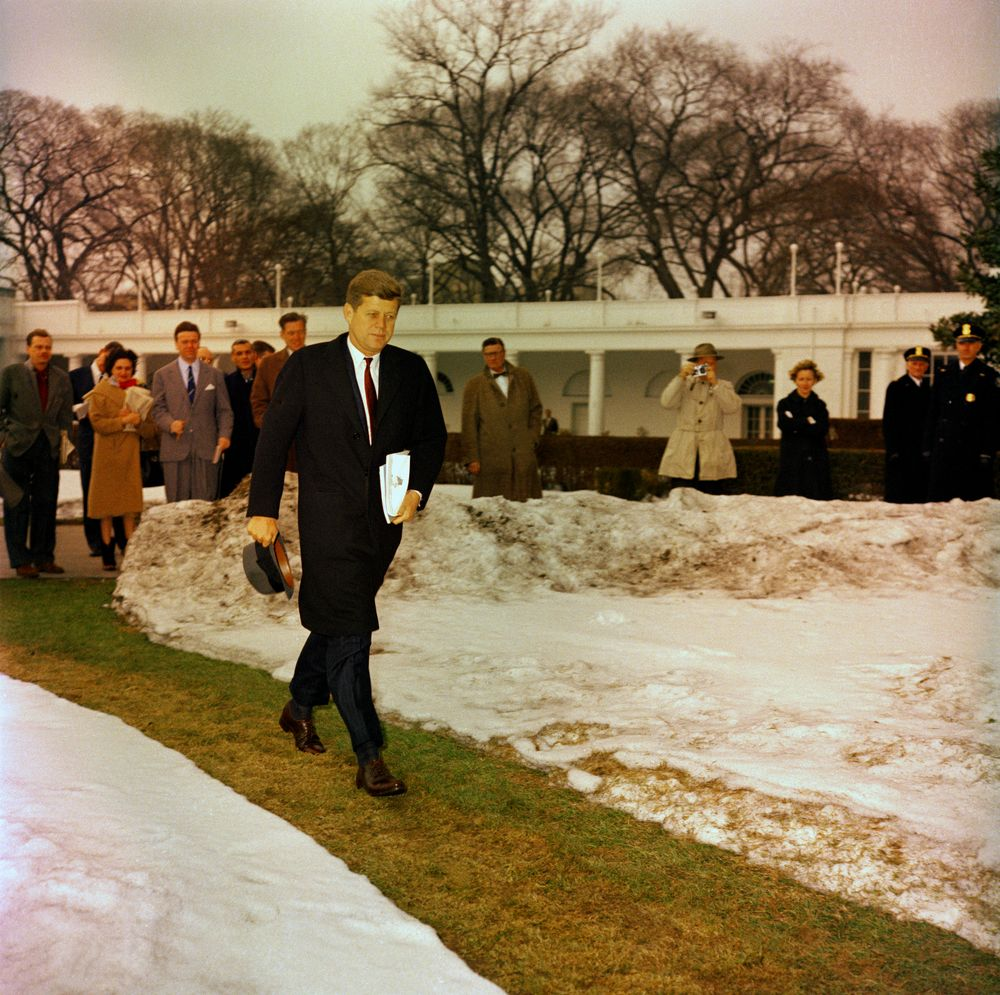2011 jfk profile courage essay contest The jfk profile in courage essay contest is currently available to high school students of us the essay contest invites students to consider the concept of political courage by writing an.