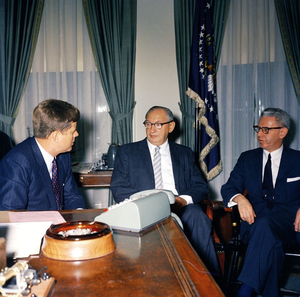 KN-C17531. President John F. Kennedy Meets with Alex Rose and ...