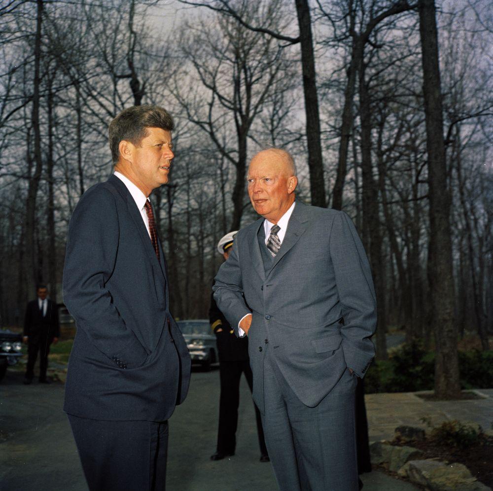 Meeting with former President Dwight D. Eisenhower (DDE ...