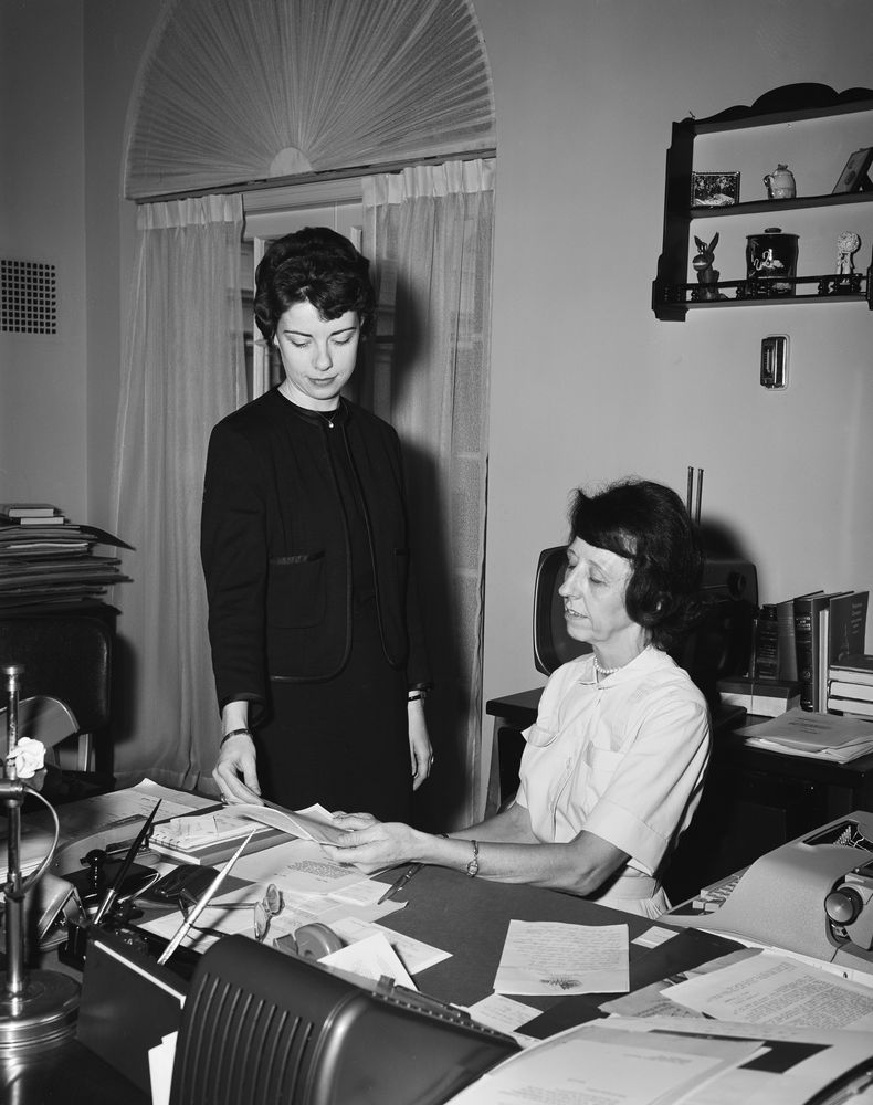 Presidential Secretary Evelyn Lincoln with a guest - John F ...