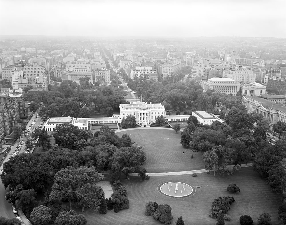 KN-18187. Aerial Photo of the South Front and the South ...