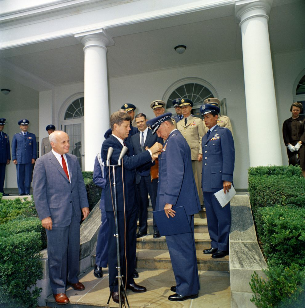 Tom kennedy us army claims service - President John F Kennedy Pins The Distinguished Service Medal On General Thomas D White