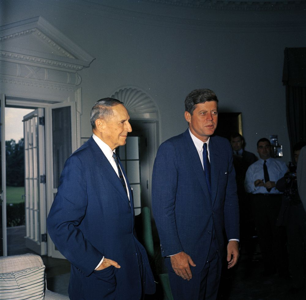 KN-C18379. President John F. Kennedy with General Douglas MacArthur ...