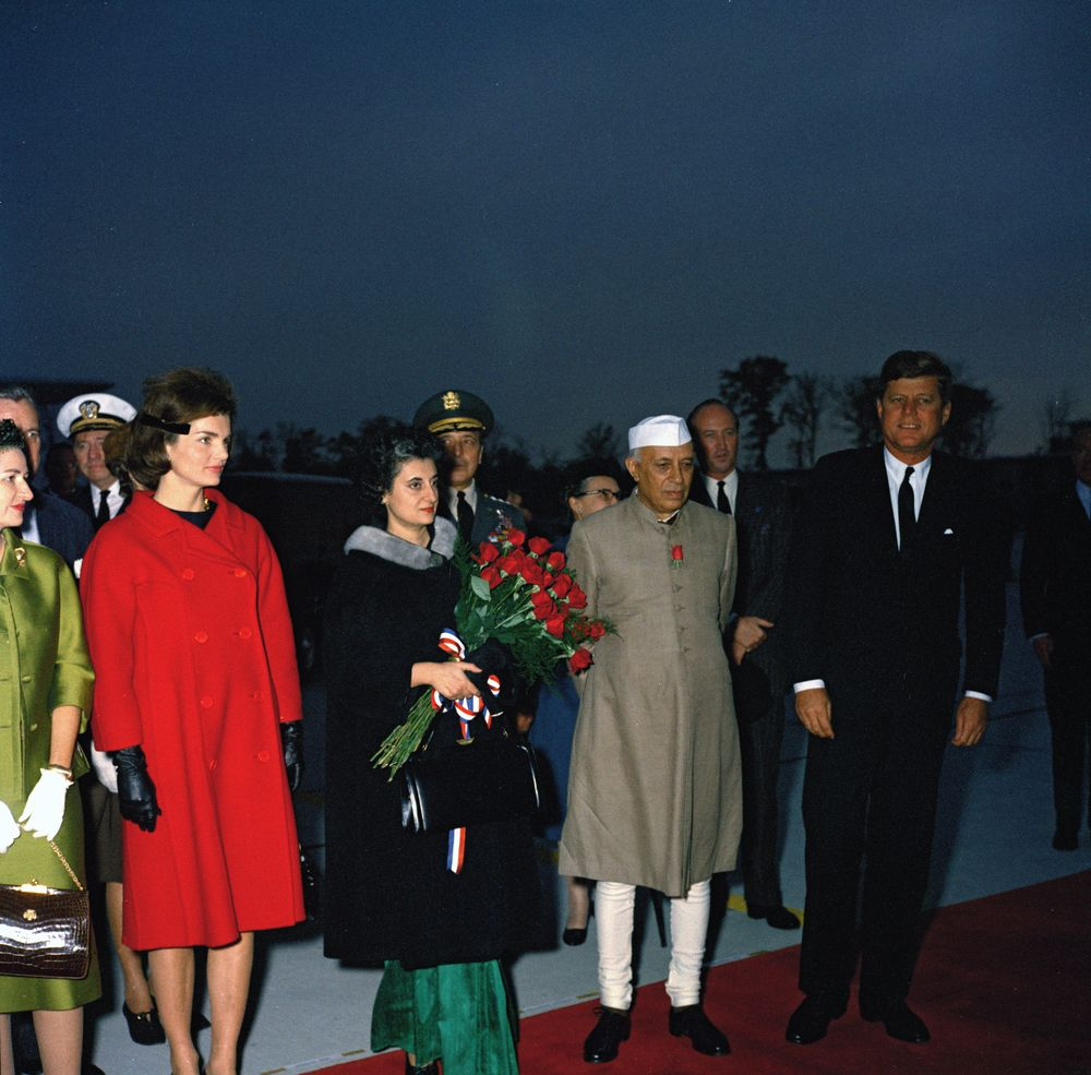 kn c president john f kennedy first lady jacqueline  president john f kennedy first lady jacqueline kennedy prime minister of jawaharlal nehru and others at arrival ceremonies