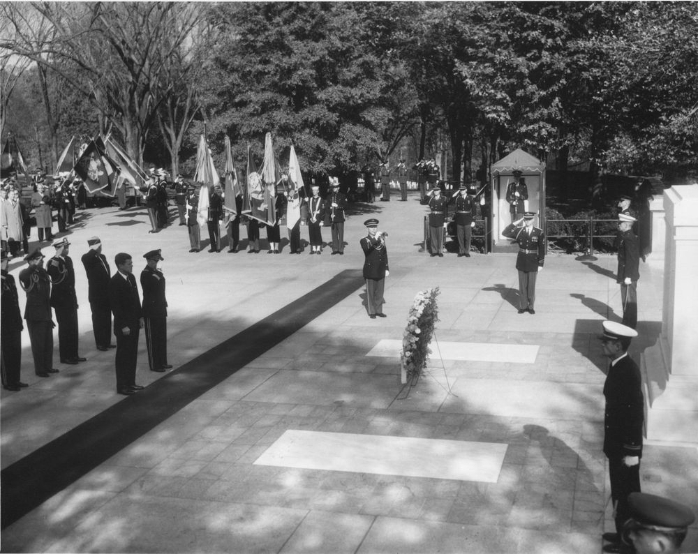 essay on tomb of unknown soldier Similar asks: tomb of the unknown soldier - my 8th grade is going on a field trip to washington dcwe are going to visit the tomb of the unknown soldier, and we can write an essay saying why we should recieve the honor of placing a wreath on the tomb i dont know how to start it, any suggestions.