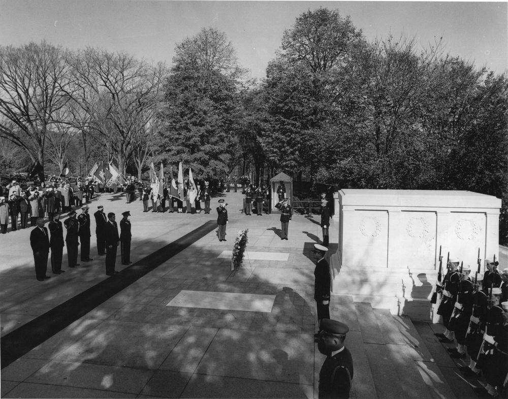 tomb of the unknown soldier wreath laying ceremony essay
