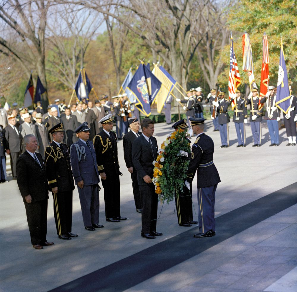 tomb of the unknown soldier wreath laying ceremony essay Wreath laying essay opportunity to visit arlington national cemetery and the tomb of the unknown soldier the students chosen to lay the wreath will be.