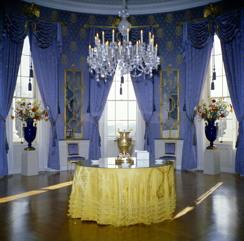 Kn c19633 blue room white house john f kennedy for The blue room