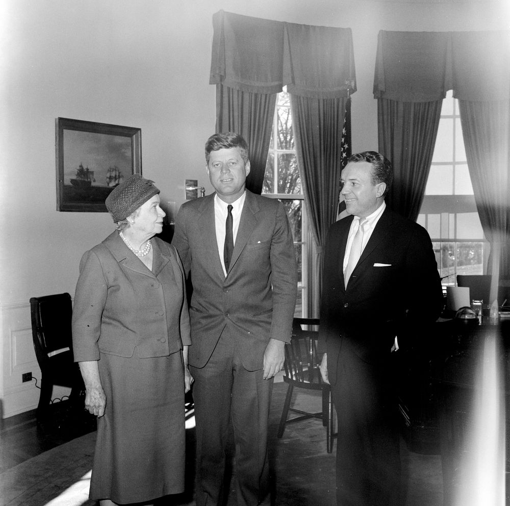 jfk contest essays The profile in courage essay contest was an opportunity that i actually learned about very late in the year despite the limited time constraints, i ultimately decided to take on the challenge in part because of the subject i'd chosen.