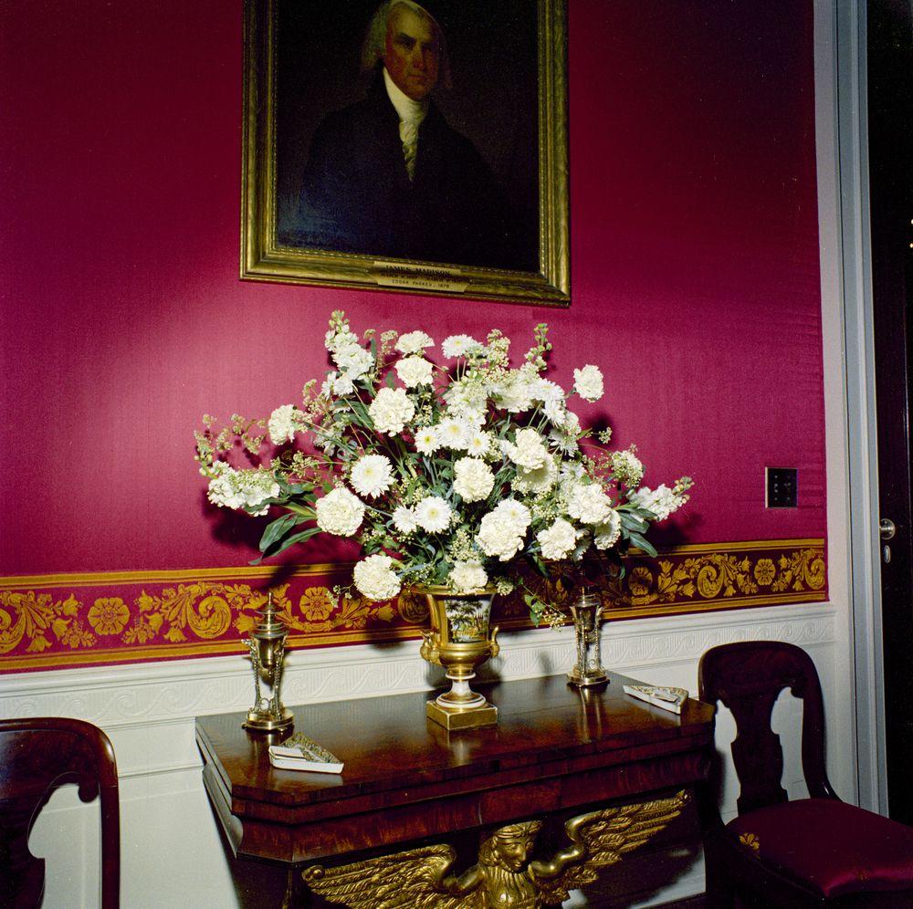 Kn c19715 flowers in red room of white house john f kennedy flowers in red room of white house mightylinksfo