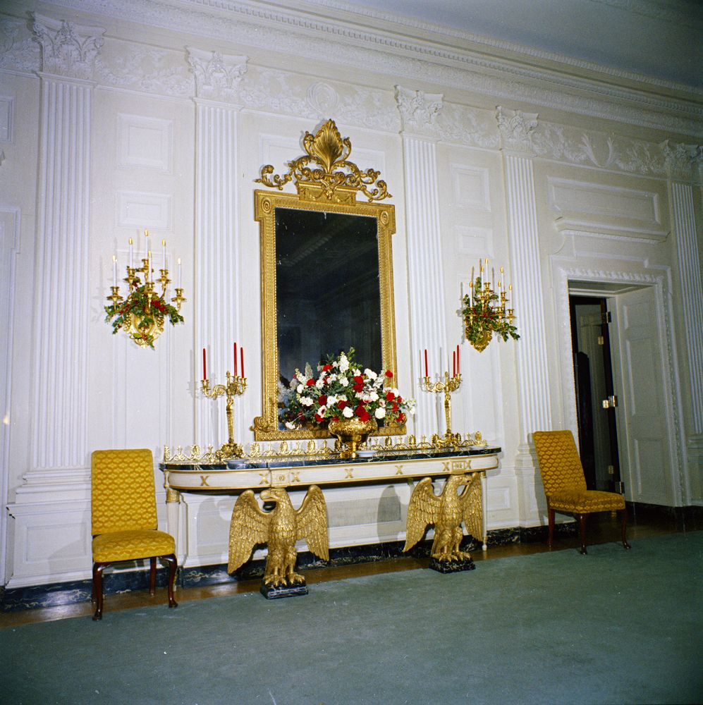 Red Room: White House Rooms, Christmas Decorations: East Room, Red
