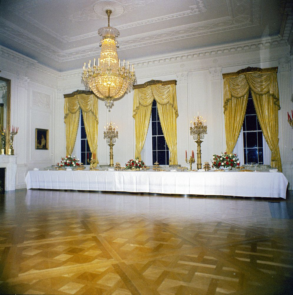 white house rooms  christmas decorations  east room  red
