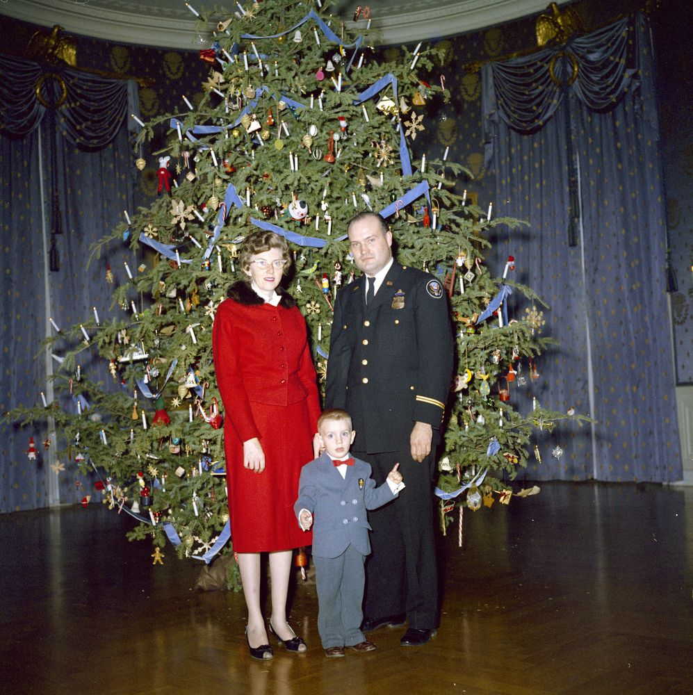 KN-C19819. Christmas Reception for White House Staff - John F ...