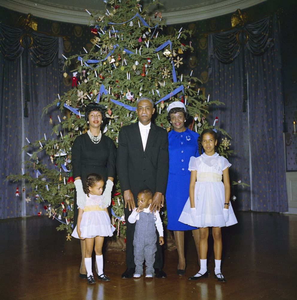 KN-C19822. Christmas Reception for White House Staff - John F. Kennedy ...