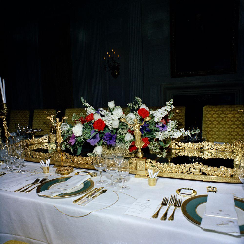 Dining Room Floral Arrangements ~ kwitter.us
