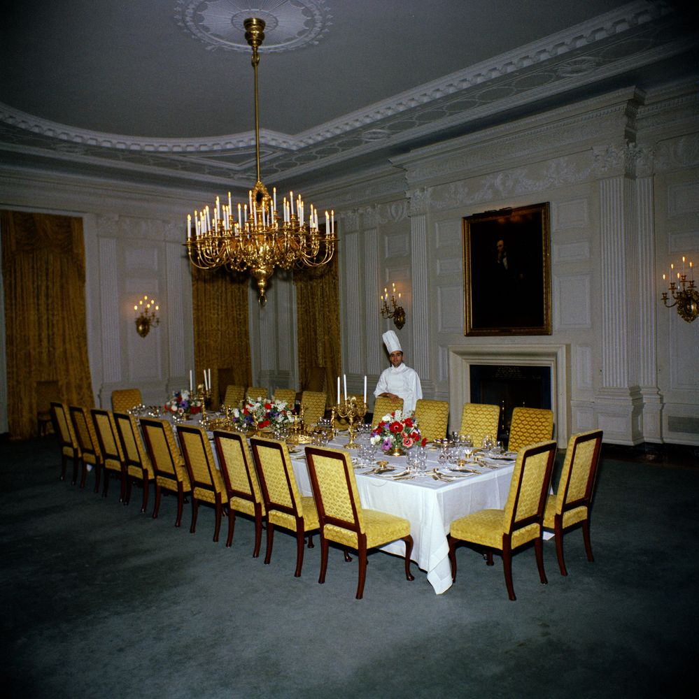 Kn c19913 assistant white house chef in state dining room john f assistant white house chef in state dining room dzzzfo