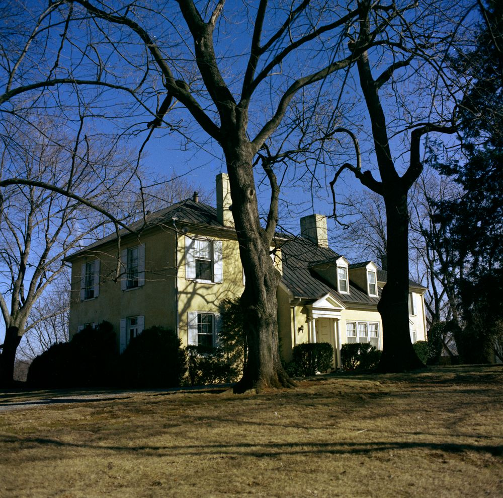 middleburg dating Tenant houses dating to the 1910s are located at the pot house junction and a   lisbon, is an estate of more than 400 acres located near middleburg in the.
