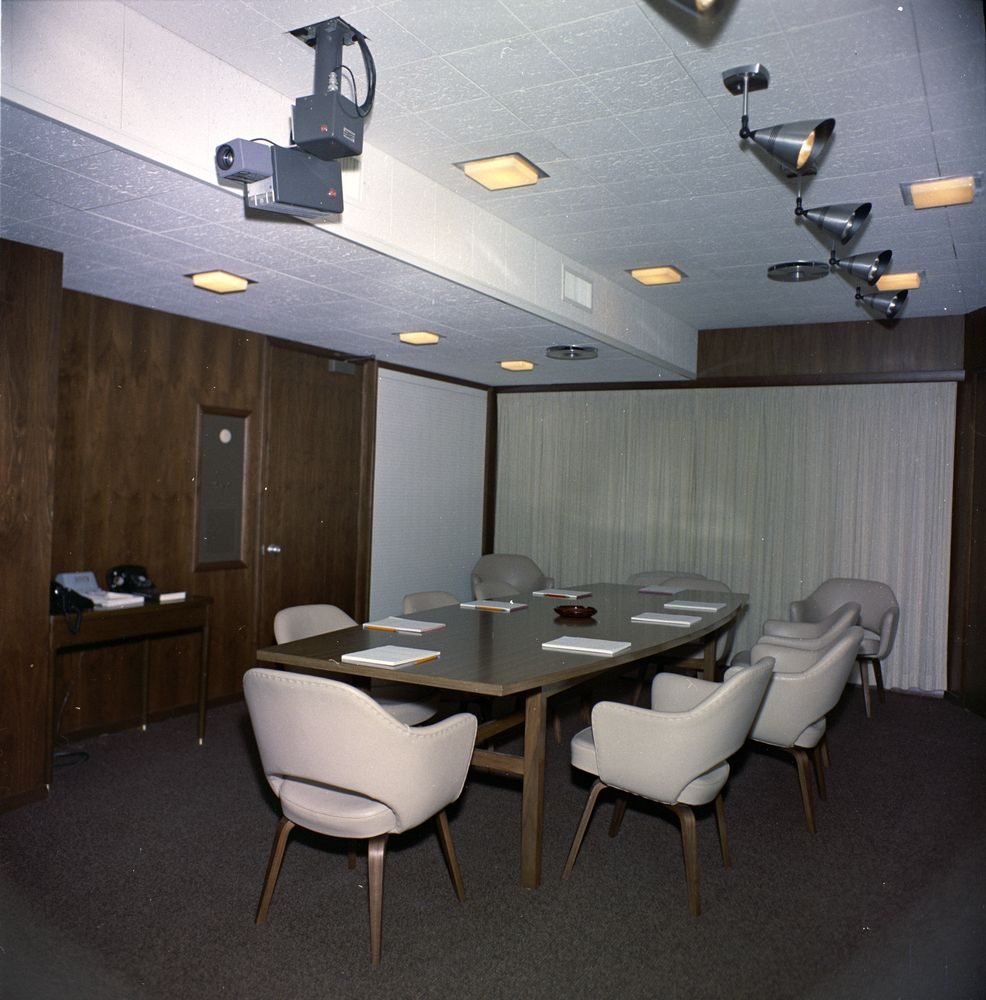 KN-C20010. West Wing Conference Room, White House