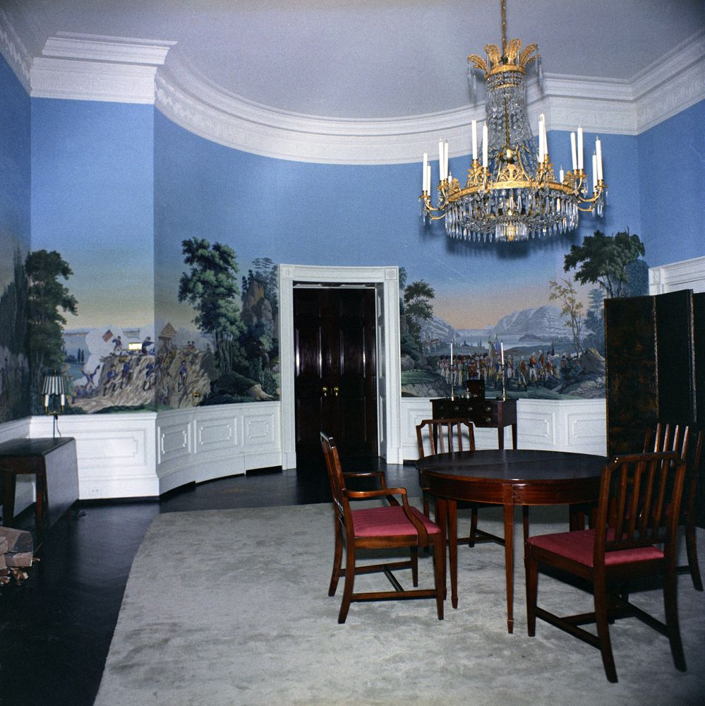 White house rooms queens 39 bedroom president s dining for W austin in room dining menu