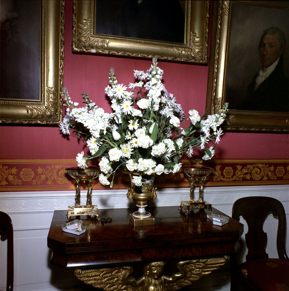 kn c20103 flower arrangement for white house dinner