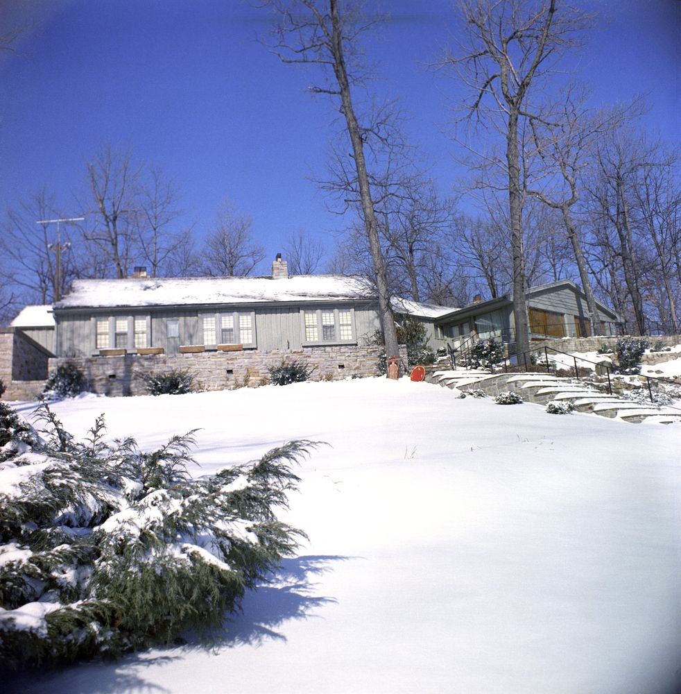 Kn C20056 Aspen Lodge Camp David John F Kennedy