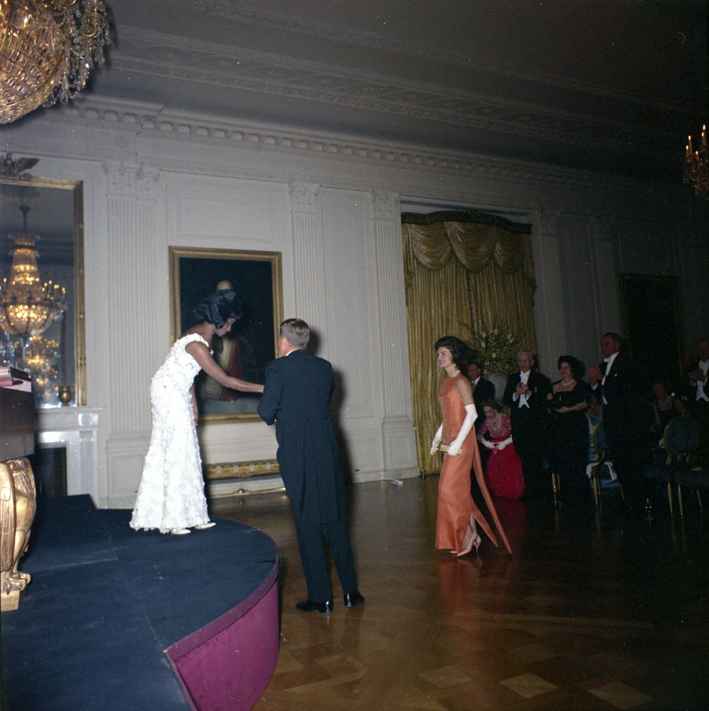Kn c20219 president john f kennedy and first lady for Performance house