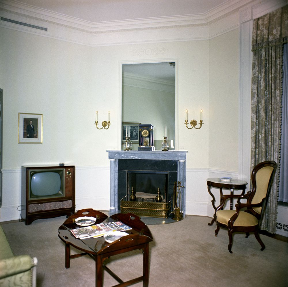 Kn c20275 lincoln sitting room white house john f for House siting