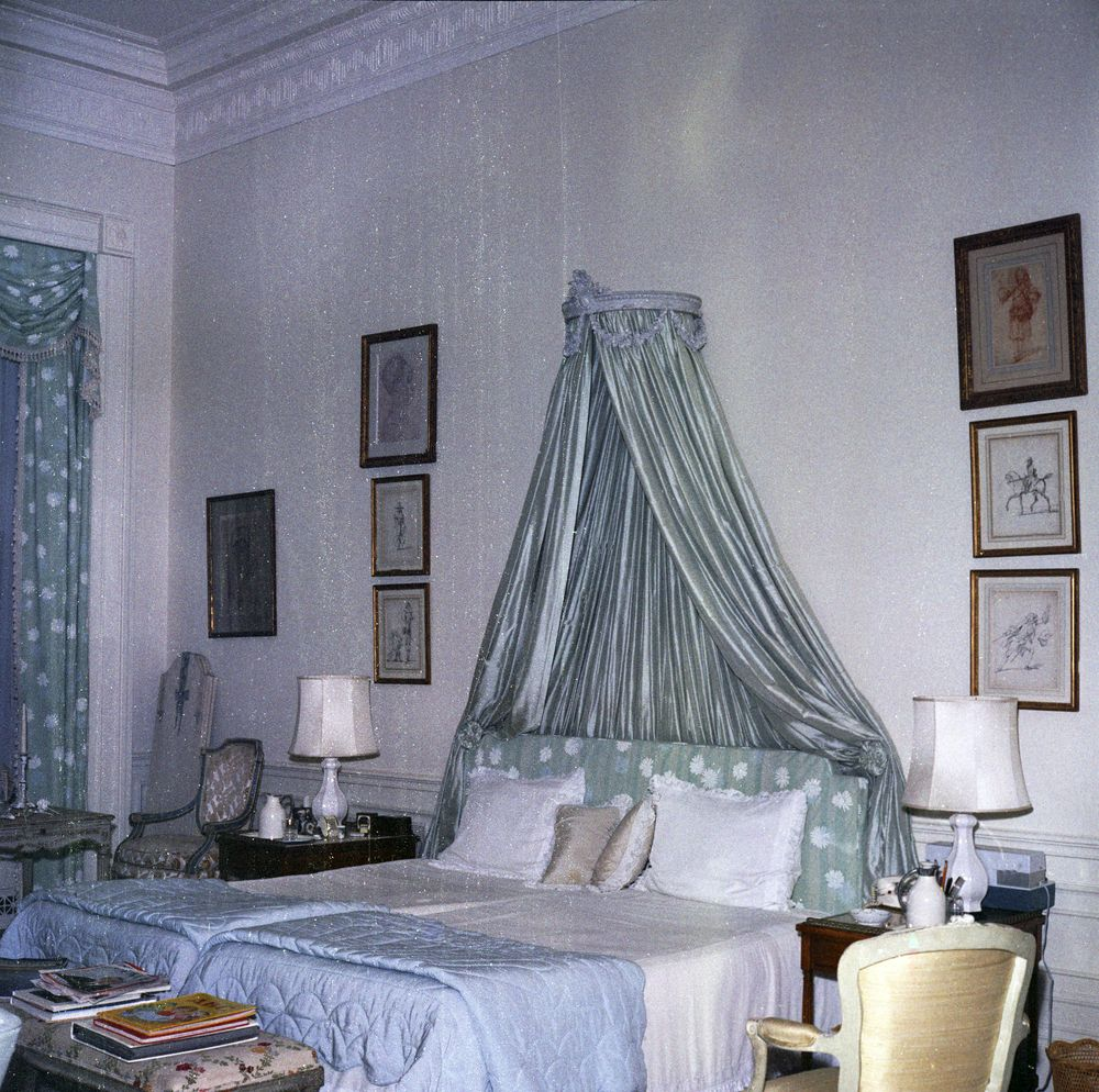 KN-C20375. First Lady Jacqueline Kennedy's Bedroom, White