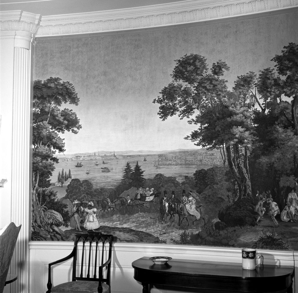 White House Rooms: Diplomatic Reception Room: antique wallpaper