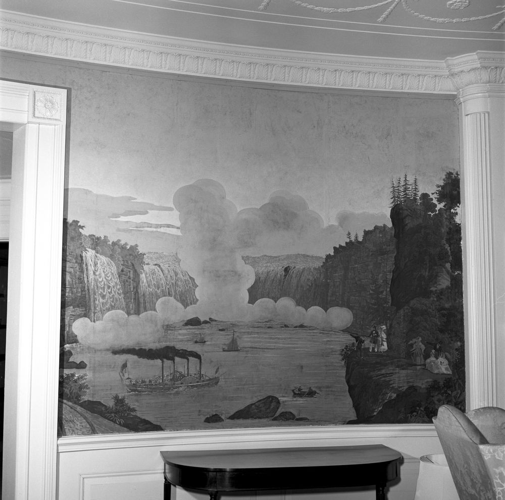 Kn 20314 antique wallpaper in the diplomatic reception for Mural room white house