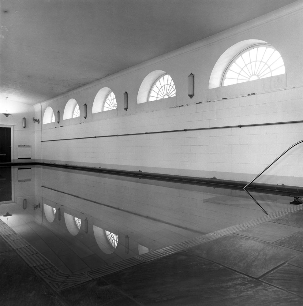 JFKWHP-KN-20306 jpgWhite House Swimming Pool