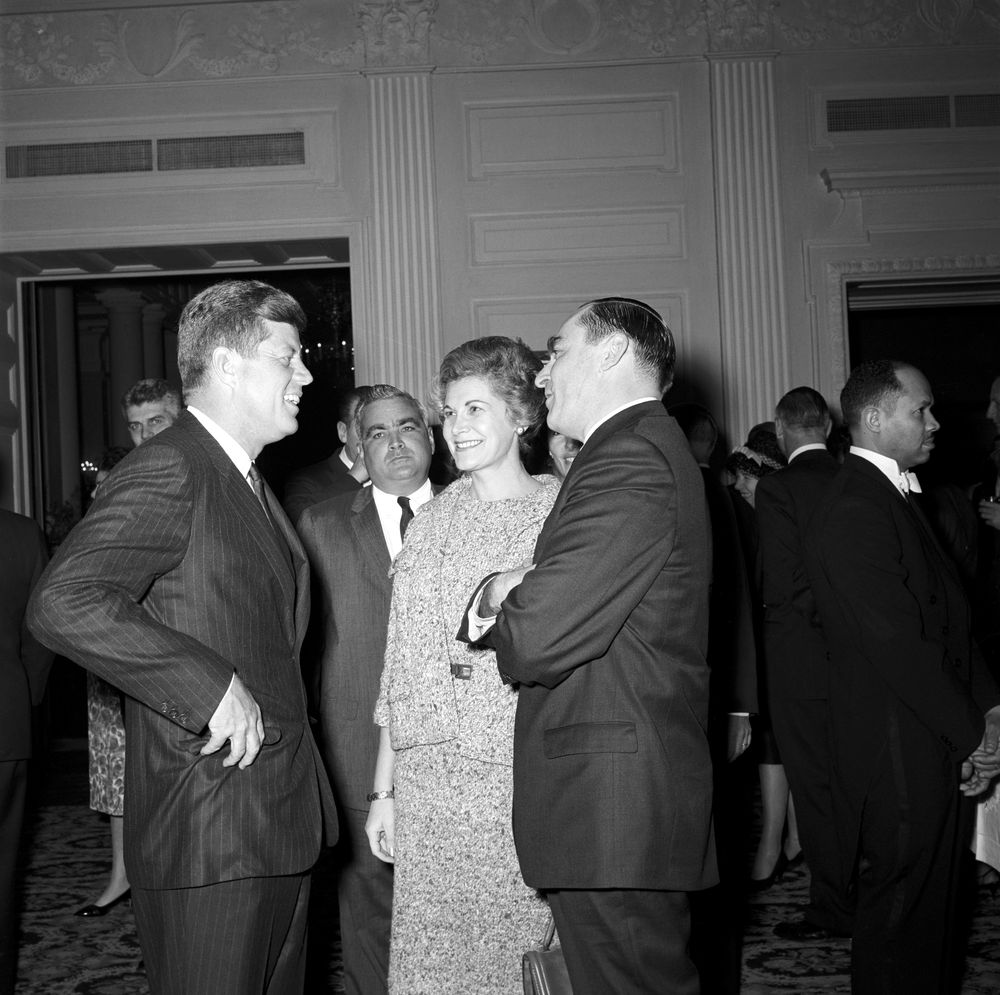 KN 20477 President John F Kennedy Attends Reception for  : JFKWHP KN 20477 from www.jfklibrary.org size 1000 x 995 jpeg 156kB
