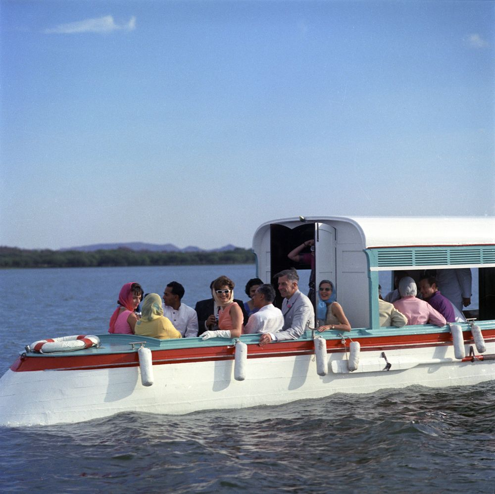 St C117 21 62 First Lady Jacqueline Kennedy Takes Boat