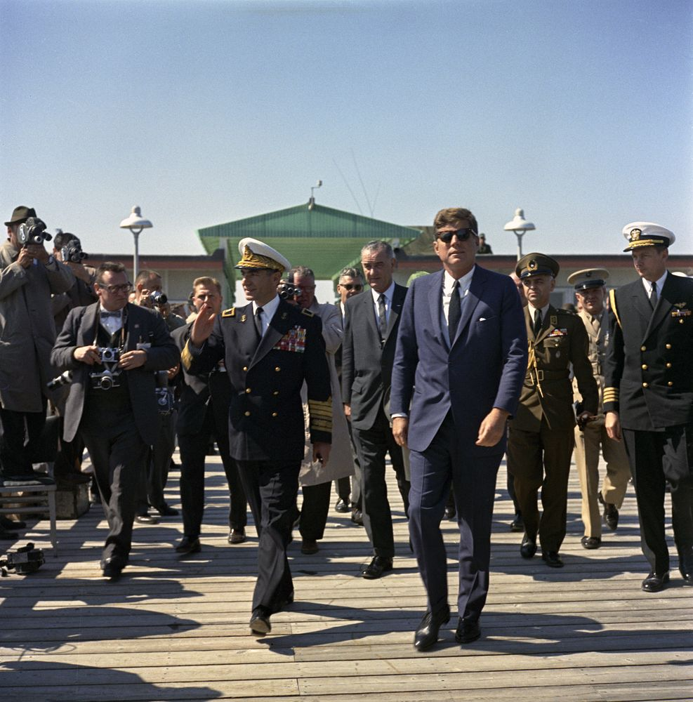 KN-C21142. President John F. Kennedy and the Shah of Iran, Mohammad ...