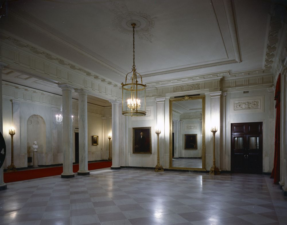 White House Rooms: Ground Floor Hall