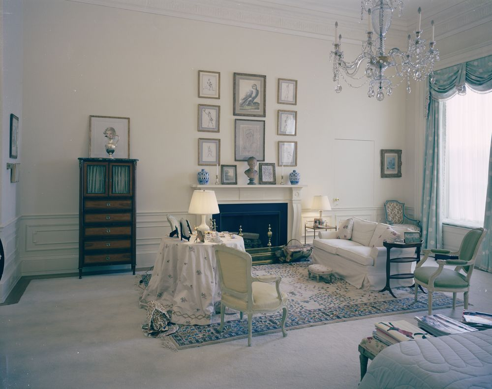 kn c21501 first lady jacqueline kennedy s bedroom white house