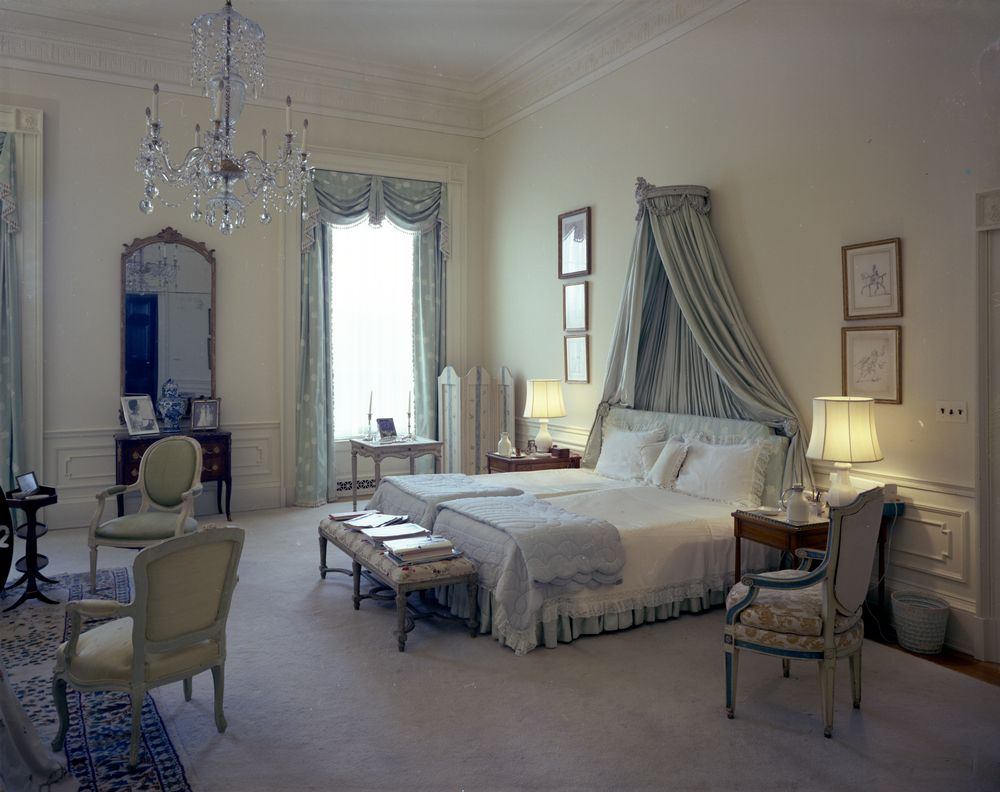 Kn C21506 First Lady Jacqueline Kennedy S Bedroom White