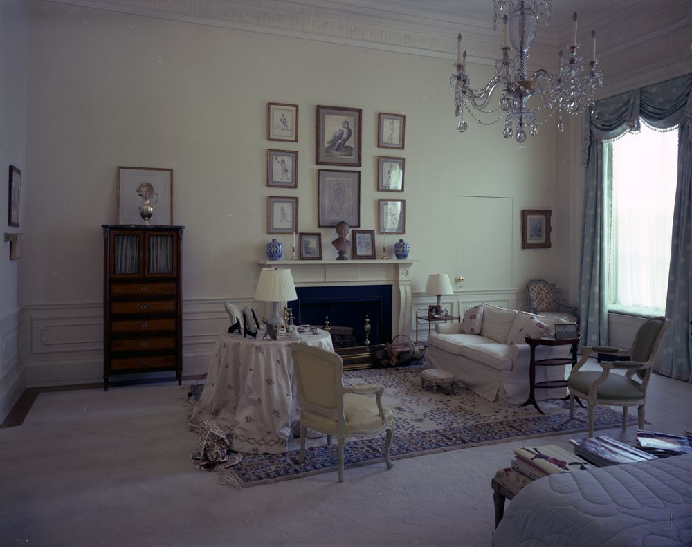 Kn C21507 First Lady Jacqueline Kennedy S Bedroom White