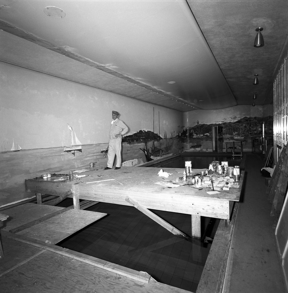 Bernard Lamotte painting White House Swimming Pool mural ...