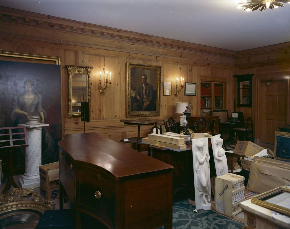 Kn C21630 Curator S Office White House John F Kennedy