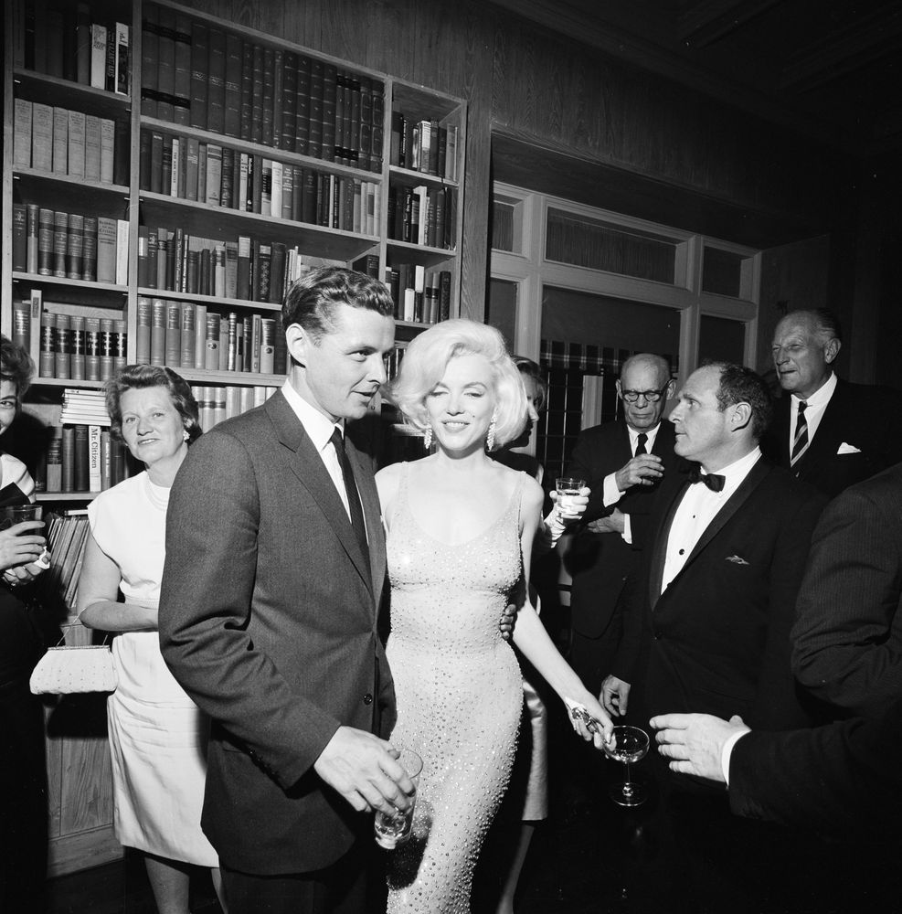 St A47 8 62 Steve Smith With Marilyn Monroe At Private