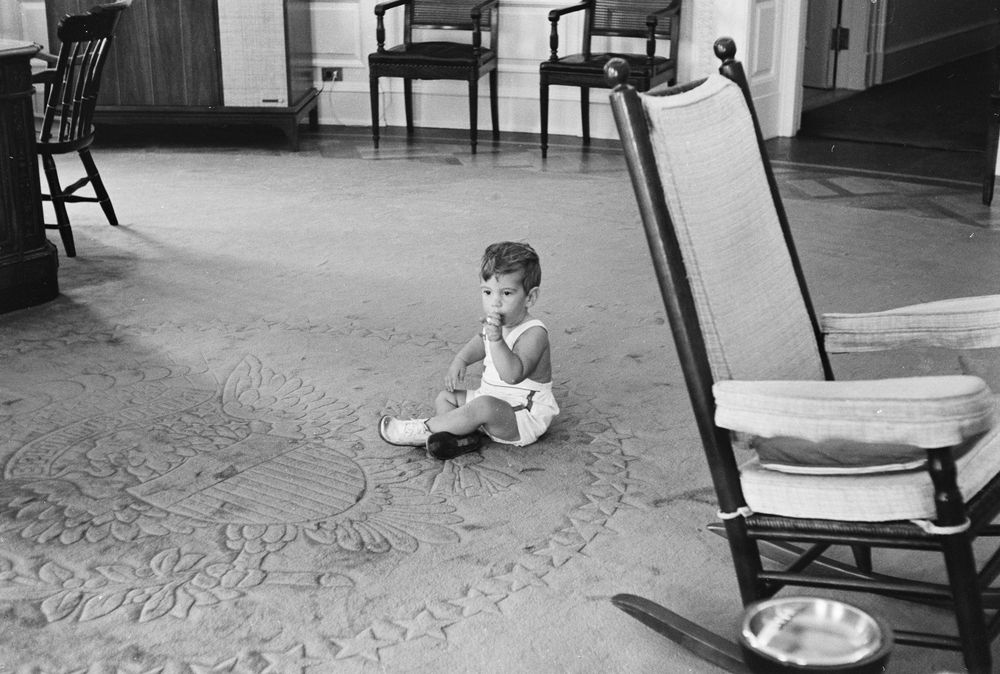 kn 22046 john f kennedy jr visits oval office john