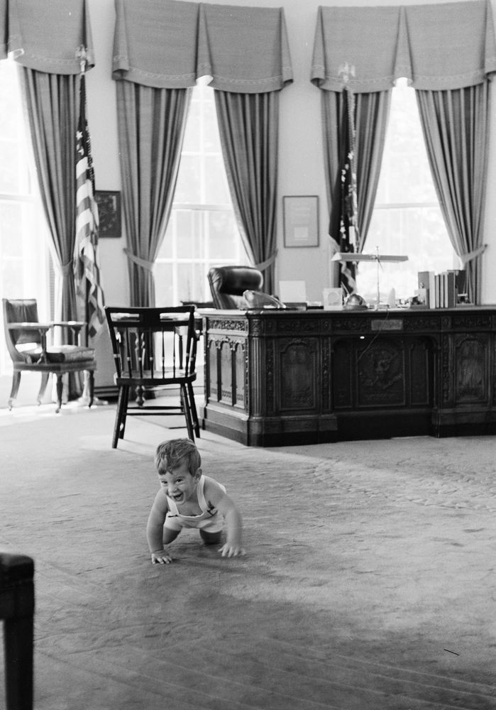 kn 22051 john f kennedy jr visits oval office john