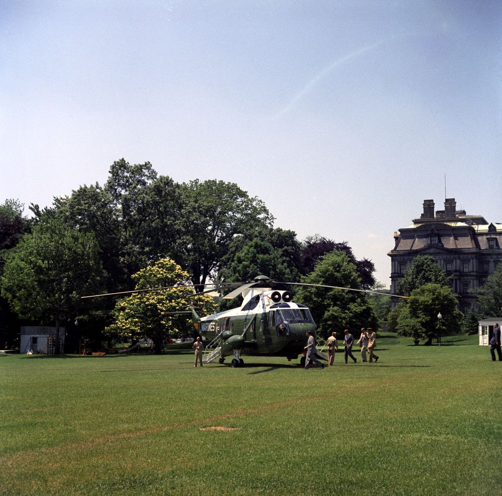 President kennedy departs the white house for glen ora for Glen ora middleburg va