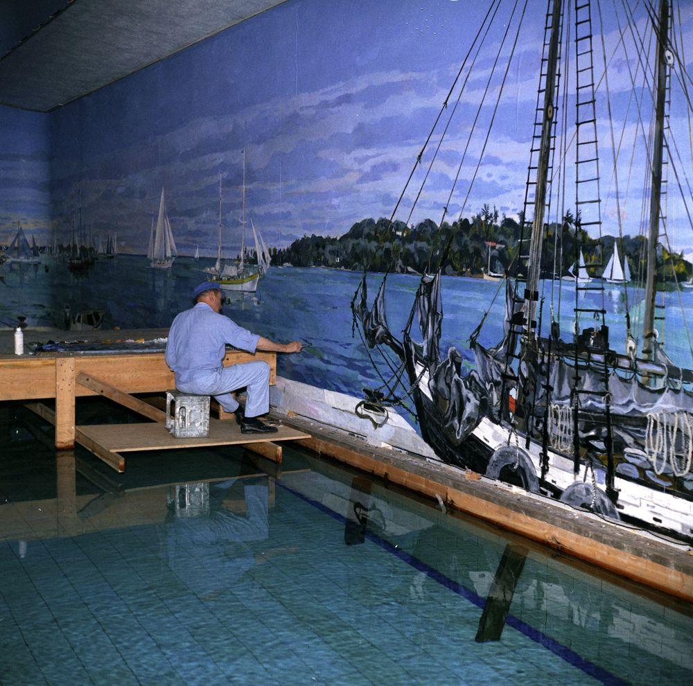 KN-C22098. Bernard Lamotte Paints White House Swimming Pool Mural ...